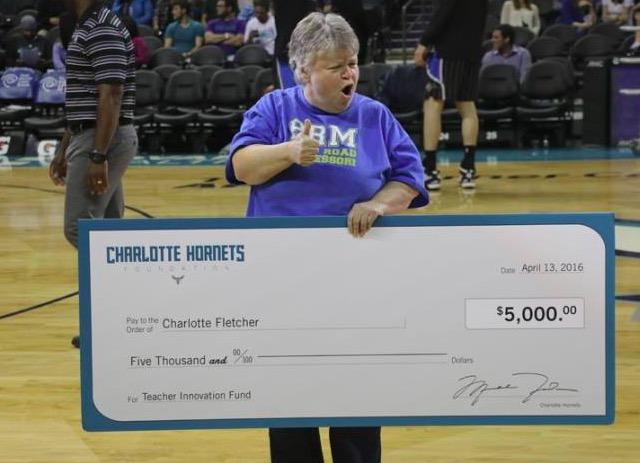 Ms.CharlotteHornetsGame