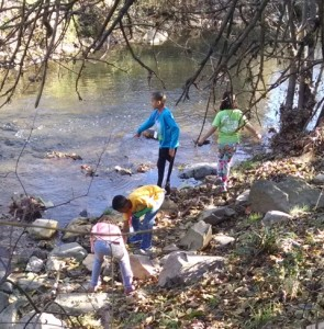 Barbara's class at creek (2)